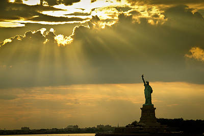 Amador Photograph - New York - Statue Of Liberty by Amador Esquiu Marques