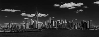 Photograph - New York 1 Black And White by Jatinkumar Thakkar