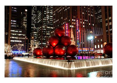 Photograph - New York Christmas Card by Nancy De Flon