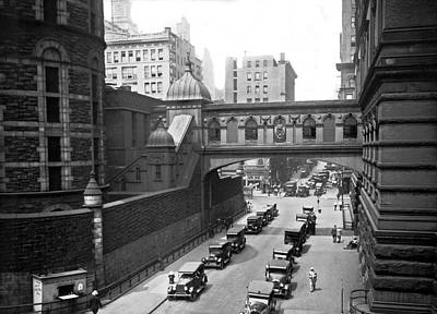 House Of Detention Photograph - New York City Bridge Of Sighs by Underwood Archives
