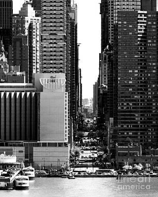 Photograph - New York City Skyline - 42nd St by Kathy Flood