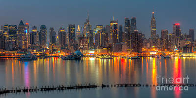 Photograph - New York City Skyline Morning Twilight Xii by Clarence Holmes