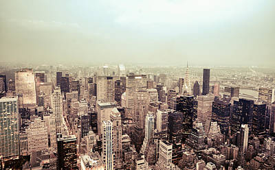 Nyc Rooftop Photograph - New York City - Skyline On A Hazy Evening by Vivienne Gucwa