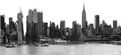 Photograph - New York City Skyline Panoramic by Kathy Flood