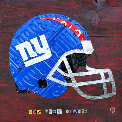 Football Mixed Media - New York Giants Nfl Football Helmet License Plate Art by Design Turnpike
