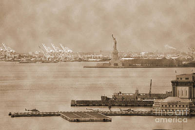 Photograph - New York Harbor And Statue Of Libertty Vintage by RicardMN Photography