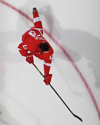 Photograph - New York Islanders V Detroit Red Wings by Dave Reginek