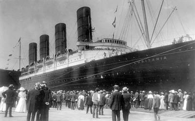 Photograph - New York Lusitania, 1907 by Granger