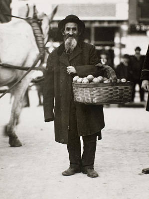 Photograph - New York Peddler, C1900 by Granger