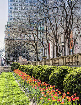 Bryant Park And Public Library Photograph - New York Public Library by Nancy Wilt