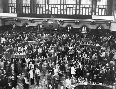 Black Stand Photograph - New York Stock Exchange Floor by Underwood Archives
