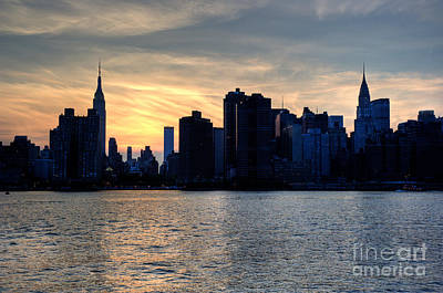 Photograph - New York Sunset IIi by Ray Warren