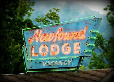 Roadside America Photograph - Newfound Lodge Neon by Stephen Stookey