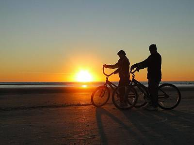 Newlyweds Pause To Embrace The Sunrise Art Print