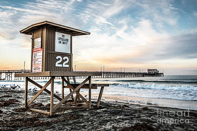 Newport Beach Pier And Lifeguard Tower 22 Photo Art Print by Paul Velgos