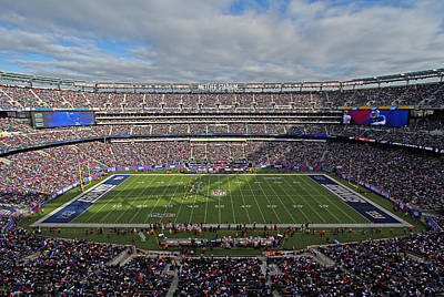 Athletes Royalty-Free and Rights-Managed Images - NFL New York Giants by Juergen Roth