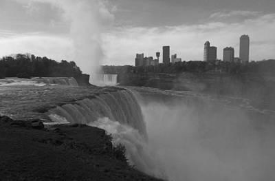 Niagara Falls - Autumn - B N W Art Print