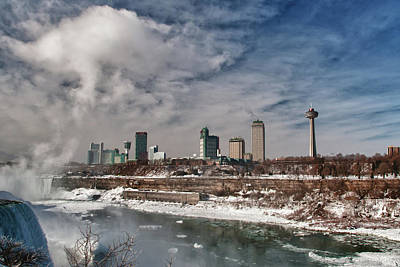 Photograph - Niagara Falls The City 4534 by Guy Whiteley