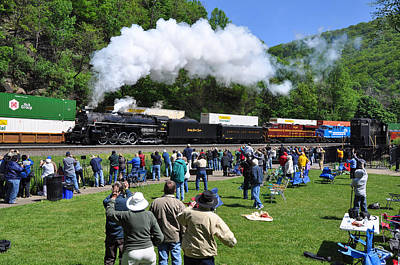 Nickel Plate Berkshire At Horseshoe Curve Art Print by Matthew Chapman