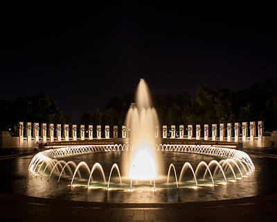 Night Reflections Wwii Memorial  Art Print