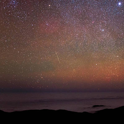 Astrophysics Photograph - Night Sky Over The Pacific Ocean by Babak Tafreshi
