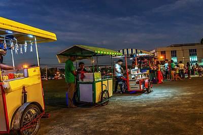 Easter Bunny - Night Vendors by Lik Batonboot