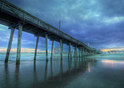 Ocean City Nj Photograph - Nightfall At The Pier by Lori Deiter