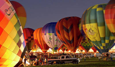 Sutton Photograph - Nightglow At The Albuquerque Hot Air by William Sutton