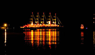 Photograph - Nightlife On The Water by Zafer Gurel