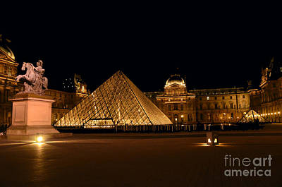 Nighttime At Musee Du Louvre Art Print