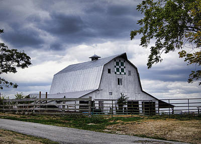 Block Quilts Photograph - Nine Patch Quilt Barn by Cricket Hackmann