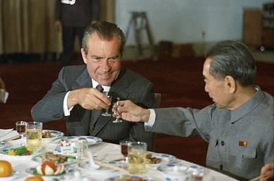 Nixon In China. President Richard Nixon Art Print by Everett