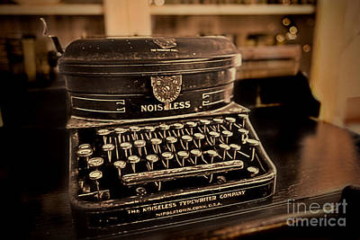 Photograph - Noiseless Typewriter by David Arment