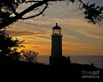 Photograph - North Headlighthouse Silhouette by Chuck Flewelling