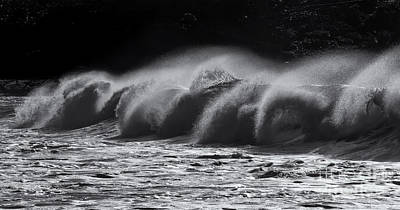 Photograph - North Shore Spindrift by Mike Dawson