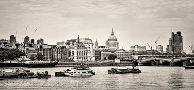 Photograph - North Side Of The Thames Bw by Heather Applegate