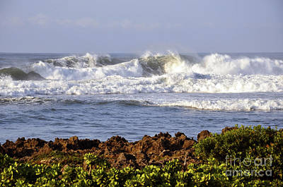 Art Print featuring the photograph Northshore Surf by Gina Savage