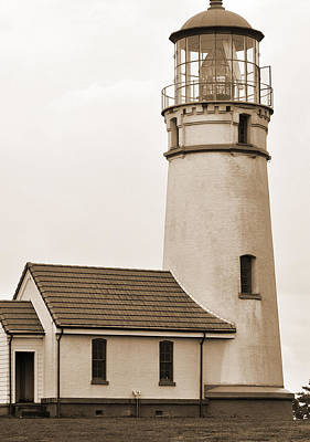 Digital Art - Northwest Coast Lighthouse by Kirt Tisdale