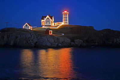 Nubble Light In York Me Cape Neddick Christmas Blue Sky Art Print by Toby McGuire