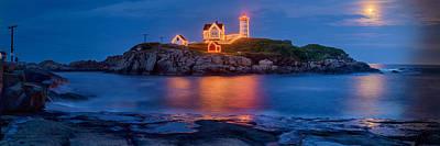 Nubble Light Photograph - Nubble Light Moonrise by Scott Lynde