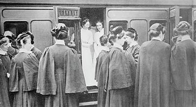 1910s Photograph - Nurses Boarding A Train by Library Of Congress
