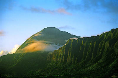 Nuuanu Pali At Sunrise Art Print by Kevin Smith