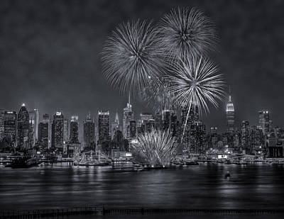 Fireworks Photograph - Nyc Celebrate Fleet Week Bw by Susan Candelario