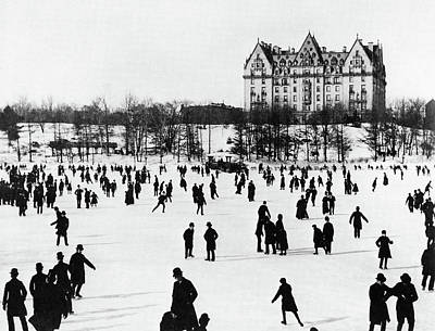 Photograph - Nyc Central Park, C1890 by Granger