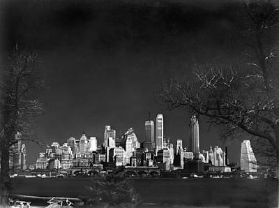 Infra-red Photograph - Nyc From Governors Island by Underwood Archives