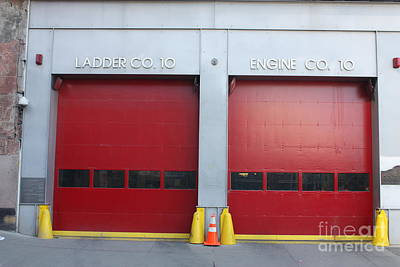 Photograph - Nyc Ladder Co 10 Engine Co 10 by John Telfer
