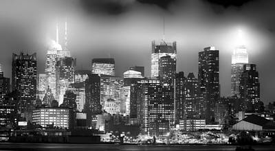 Photograph - Nyc Midtown Skyline Bw by Rospotte Photography