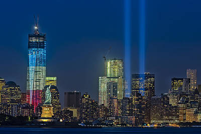 911 Tribute Photograph - Nyc Remembers September 11 by Susan Candelario