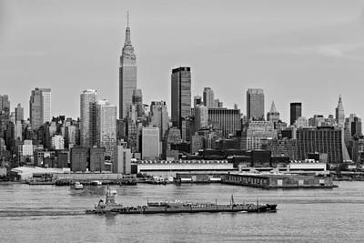 Nyc Skyline And Atb Last Light Bw Art Print