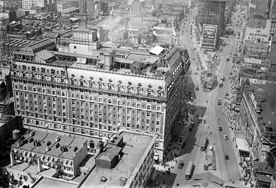 Theatre District Photograph - Nyc, Times Square, Hotel Astor, 1915-20 by Science Source